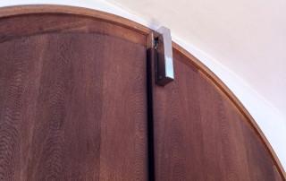 Door damper VS 2000 on church door