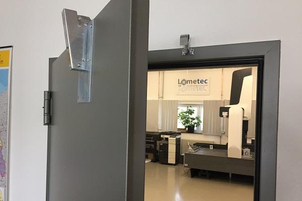 Door damper on Measurments Lab Door