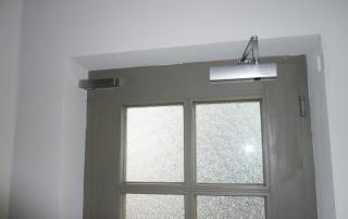 Door damper VS 2000 mounted horizontally