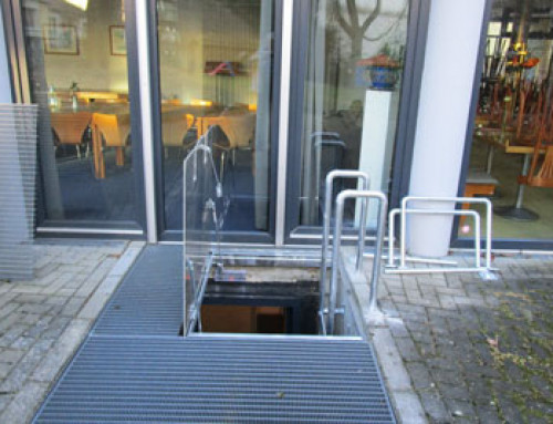 Second escape route – in case of emergency gas springs open the escape hatch