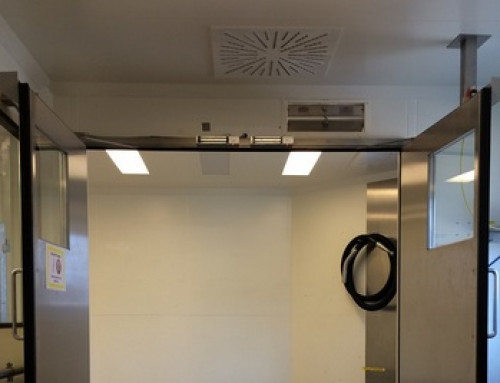 Interlock doors with door closers have to remain open for material transports